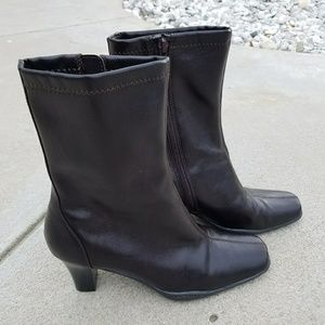 Aerosols Cinsual Ankle boots size 8M Brown